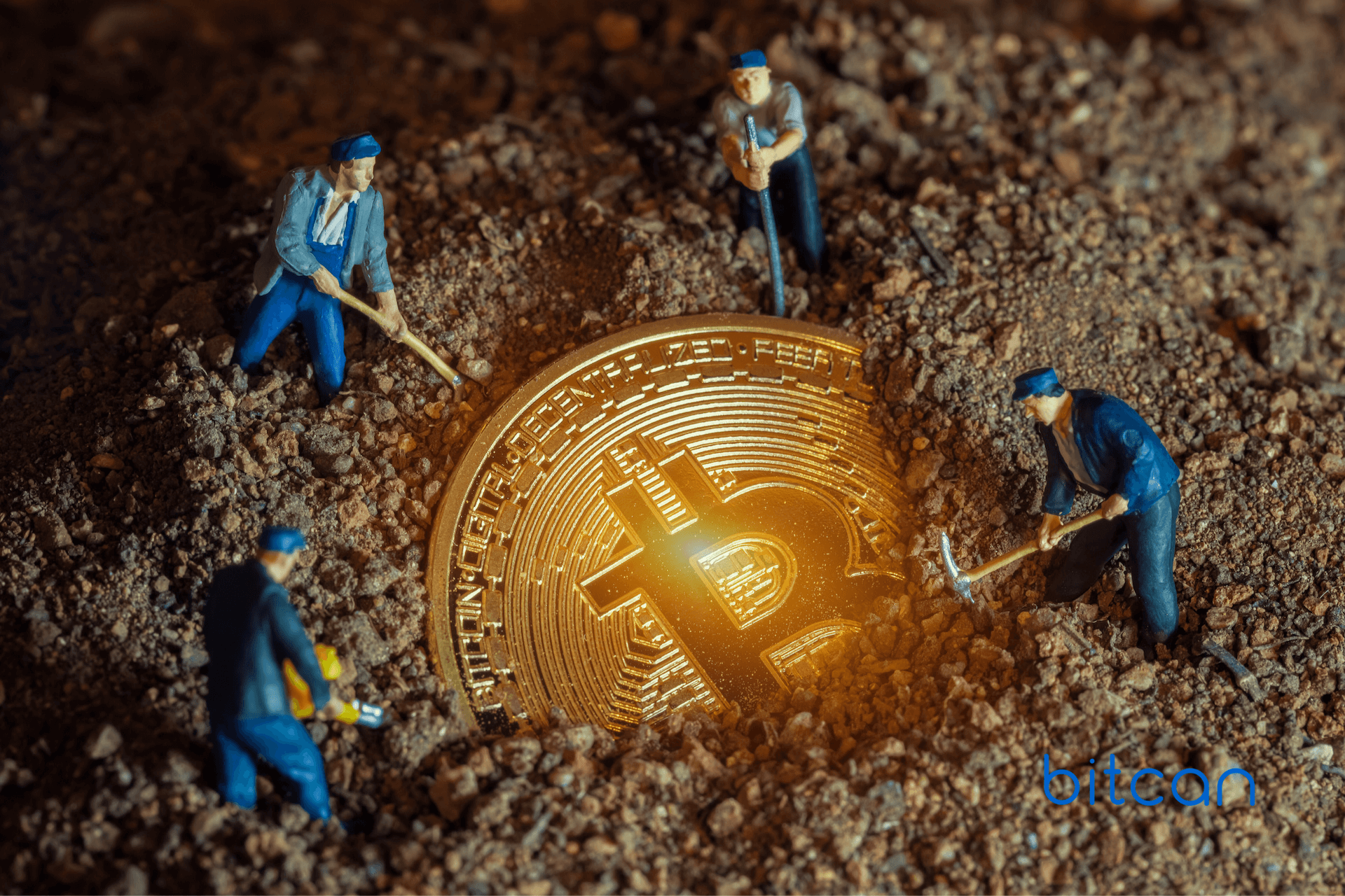 Górnicy bitcoina blisko rekordowych zarobków. 40-48 mln dol. dziennie we wrześniu